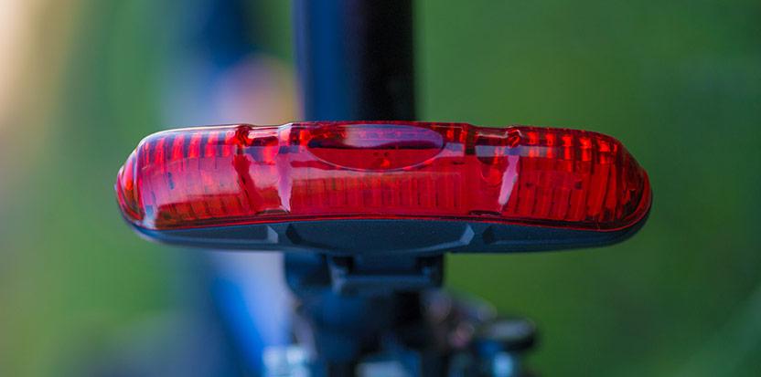 Kvällscykling kräver cykelbelysning